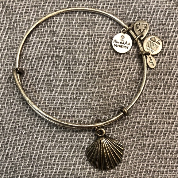 Alex and Ani Jewelry - Alex and Ani silver seashell bracelet